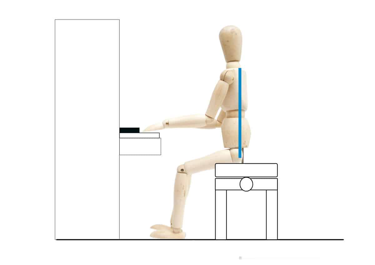 ピアノを弾く姿勢-背筋を伸ばす-1