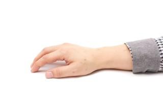 ピアノを弾くときの手の形